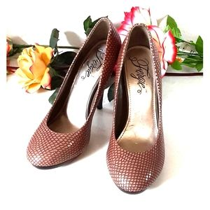 Fergie Brown & Purple snake skin nacho heels 7M